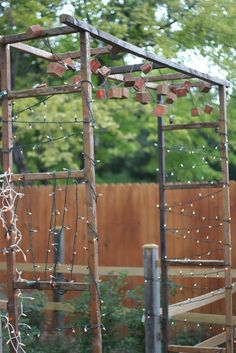 make.it: rustic garden gate, but some vines growing on those