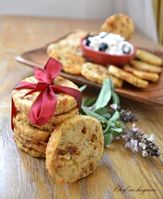 herb and cheese crackers