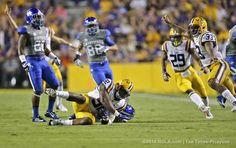 LSU vs. Kentucky 2014: LSU special teams player Lewis Neal recovers kick