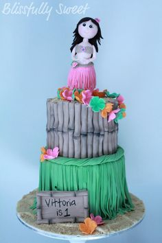 Tropical luau cake