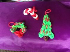 Rainbow loom wreath charm, Christmas tree charm and candy cane charm. Pattern by Made by Mommy on YouTube.