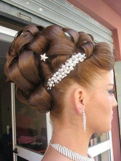 updo fashion, accessori, wedding updo, hairstyle ideas, prom hairstyles, the queen, hair style, wedding hairstyles, wall photos
