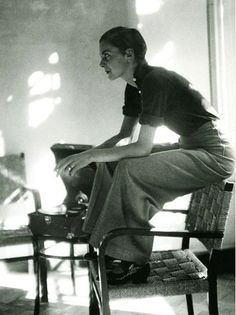 annemarie schwarzenbach (photo of lisa von cramm as annemarie photographed by marianne breslauer in berlin, 1934