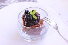 Brownie de chufas y chocolate con mermelada de cerezas del Jerte  http://www.thespanishfood.es/2012/10/brownie-de-chufas-y-mermelada-de.html