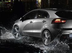 Auch auf nasser Fahrbahn sicher unterwegs mit dem Kia Rio!! Hat es auch gestern bei euch geregnet? LG Euer Kia Team