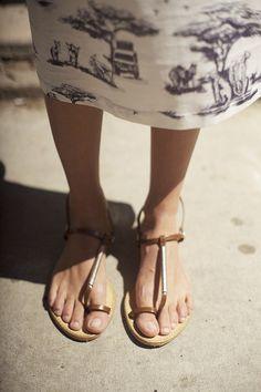 i like the skirt fabric.....