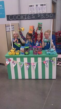 Daisy Troop #78, Liberty, MO. Great cookie booth!