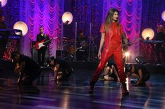 "Zendaya performs ""Replay"""