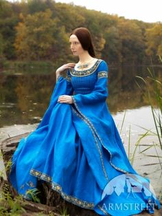 """Linen Medieval Dress """"Lady of the Lake"""""""