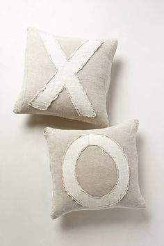 Darling XO Pillows #anthroregistry http://rstyle.me/n/rykqvnyg6
