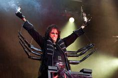 Alice Cooper announces huge October UK tour