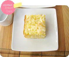 une gamine dans la cuisine: Coconut Lemon Bars