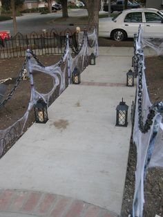 Quick easy haunted stanchions solved my need for a lot of fencing