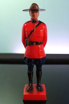 Reliable Royal Canadian Mounted Police Vintage Plastic RCMP Mountie Statue