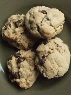 Quinoa Peanut Butter Chocolate Chip Cookies