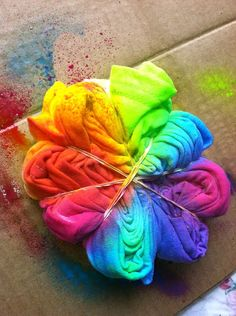 tye dye.... had tons of fun tie dying shirts for lake shore! Tie Dye Tuesday - would be great to try with Dylon Dyes!