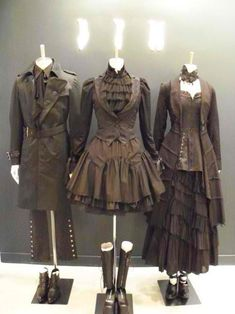 I didn't even know there was such a thing as Steampunk Fashion but I like it. The middle one is my fave.