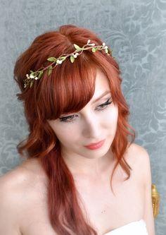 Wedding headband, flower circlet, simple leaf and berry tiara, bridal crown, wedding hair accessories