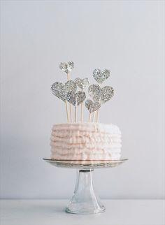 {DIY glitter hearts cake topper}