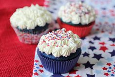 Fourth of July red, white and blue cupcakes recipe