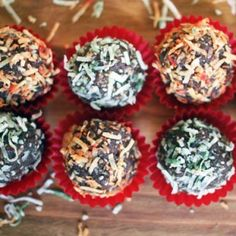 Healthy Holiday Truffles and more of the best healthy Christmas recipes on MyNaturalFamily.com #christmas #recipe