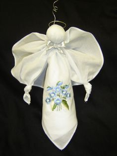 Small hankerchief angel