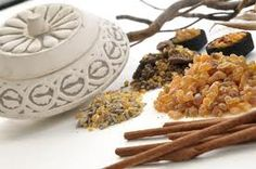 Frankincense - The oil is known to improve skin tone, heal cuts and grazes and infected skin. Clears the lungs and helps with shortness of breath, asthma, bronchitis, laryngitis, coughs and colds. The scents helps to slow down and deepen the breath which in turn brings a sense of peace, restores balance and opens the mind, increasing awareness and spiritual understanding.