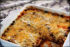 Cheesy Enchilada Casserole - Do you need a fast & super easy meal for Super Bowl Sunday? This spicy Mexican dish just might fit the bill.