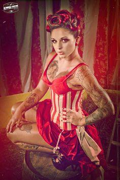love circus looks.
