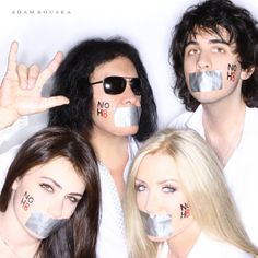 Simmons Family - Gene Simmons, Nick Simmons, Sophie Simmons & Shannon Tweed-Simmons