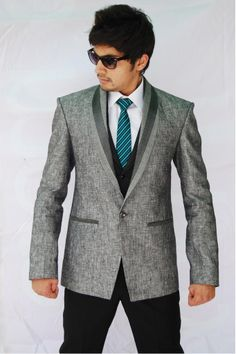 Stylish Designer suits #Designersuits  www.manawat.in