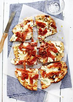 5 Minute Grilled Pizza Dough | Foodess