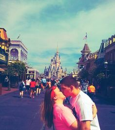 Magic kingdom kiss <3