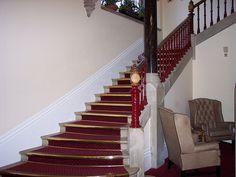 Oakwood House sweeping staircase by Bresserphotos, via Flickr