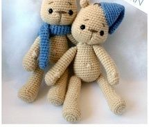 28. Dressed Bruno Bear - amigurumi pdf pattern - english and italiano