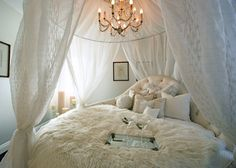 French inspired canopy room by Houzz.com-- woahhhh this bed is a dreammmmy bed --- i heart it!!! xoxoxo