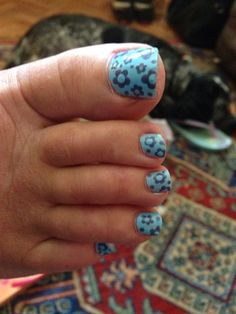 Flower Toes by Claireawebb from Nail Art Gallery