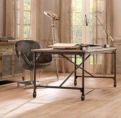 Ladies & Gentlemen....A desk has been chosen!
