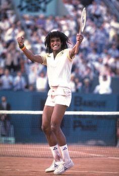 Yannick Noah, tennisman, vainqueur de Roland Garros ...