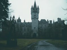 gothic home, spooki, dream homes, haunt mansion, haunted houses