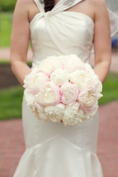 Love the suttle pink throughout the bouquet.