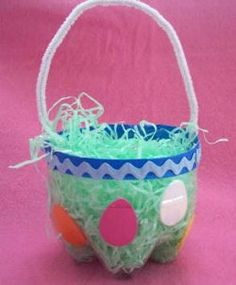 Love this free Easter Basket Idea made from the bottom of a 2 liter bottle. (From http://homedecor.sheknows.com.) bottle crafts, plastic bottles, soda bottles, easter crafts, daycare crafts, basket, pop bottles, easter eggs, craft ideas