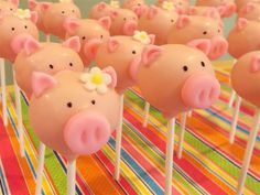 Piggy Cake Pops (in case you're dieting!) Wonder if they come in bacon flavor? Cakepops Bal, Piggies Pop, Piggies Parties, Cakepops Craze, Piggies Cakepops, Girls Piggies, Cake Pop, Pop Cake, Cake Brownies Pop