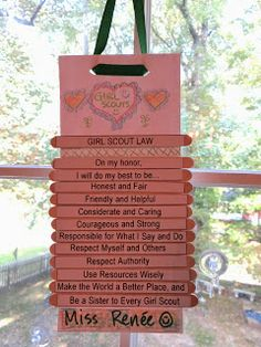 Troop Leader Mom: Getting Started with Daisy Girl Scouts (and Brownies Too!): Brownies: Girl Scout Way -- Part Two (Girl Scout Law wall hanger - would work for Daisies or Brownies)