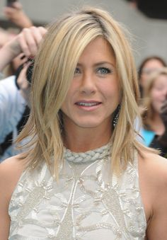 short hair, mid length, hair colors, jennifer aniston, layered hairstyles, layered haircuts, layer hair, jennif aniston, long bobs
