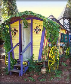 color, potting sheds, gypsi wagon, boho, backyard, guest houses, gypsy life, gypsi caravan, dream gardens