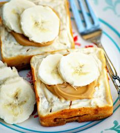 This Baked Banana Cheesecake is sugar-free, gluten-free, and egg-free.