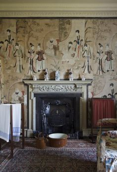 The Chinese Dressing Room at Saltram, with pairs of Chinese prints hung in an alternating pattern with various cut-out additions to create a wallpaper effect, possibly in the 1750s. ©National Trust Images/John Hammondn the Chinese Dressing Room at Saltram, Devon nttreasurehunt.wordpress.com