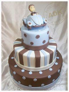bolo marrom e azul