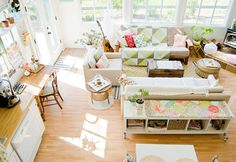 Home : Ten Lovely Liveable Living Rooms  Light and Bright via Depto 51